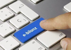 E-bilanz Tastatur Finger